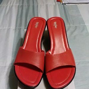 Mossimo slides